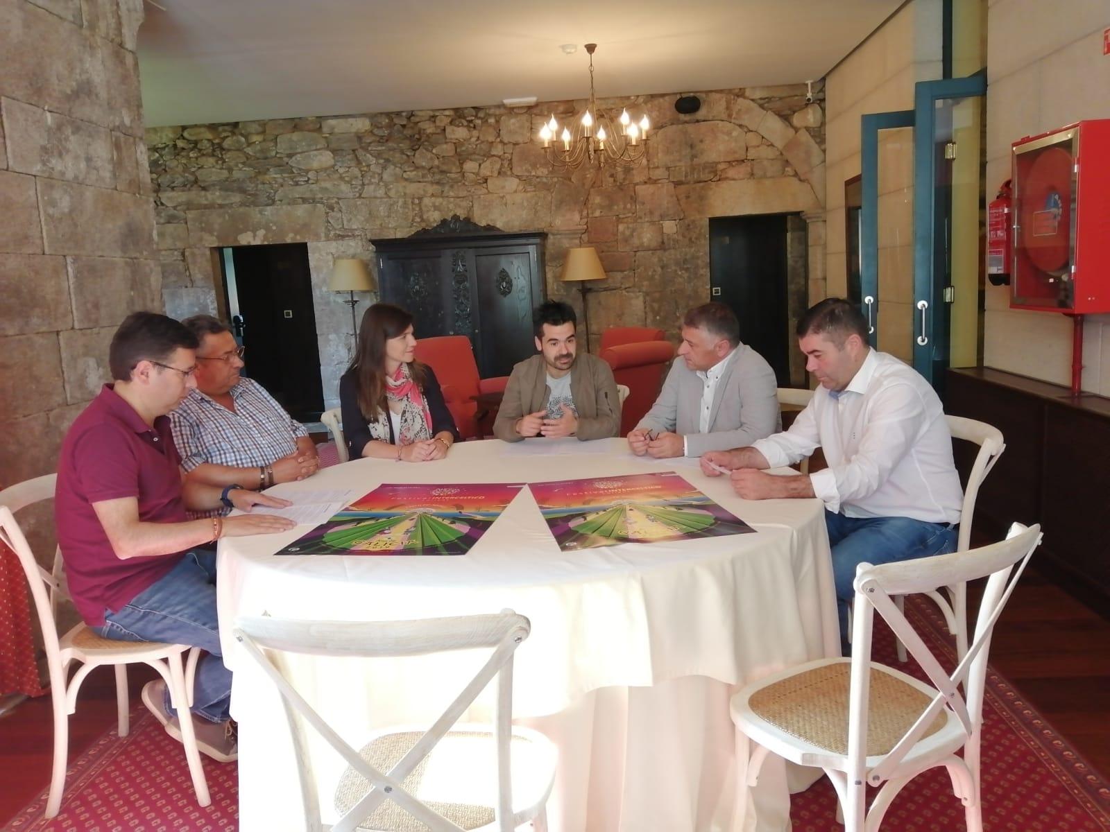 """A Banda de Música de Silleda e a Banda de Gaitas de Forcarei participan xunto a recoñecidos artistas galegos no prestixioso Festival Intercéltico de Lorient con """"Le chemin de Breogán"""""""