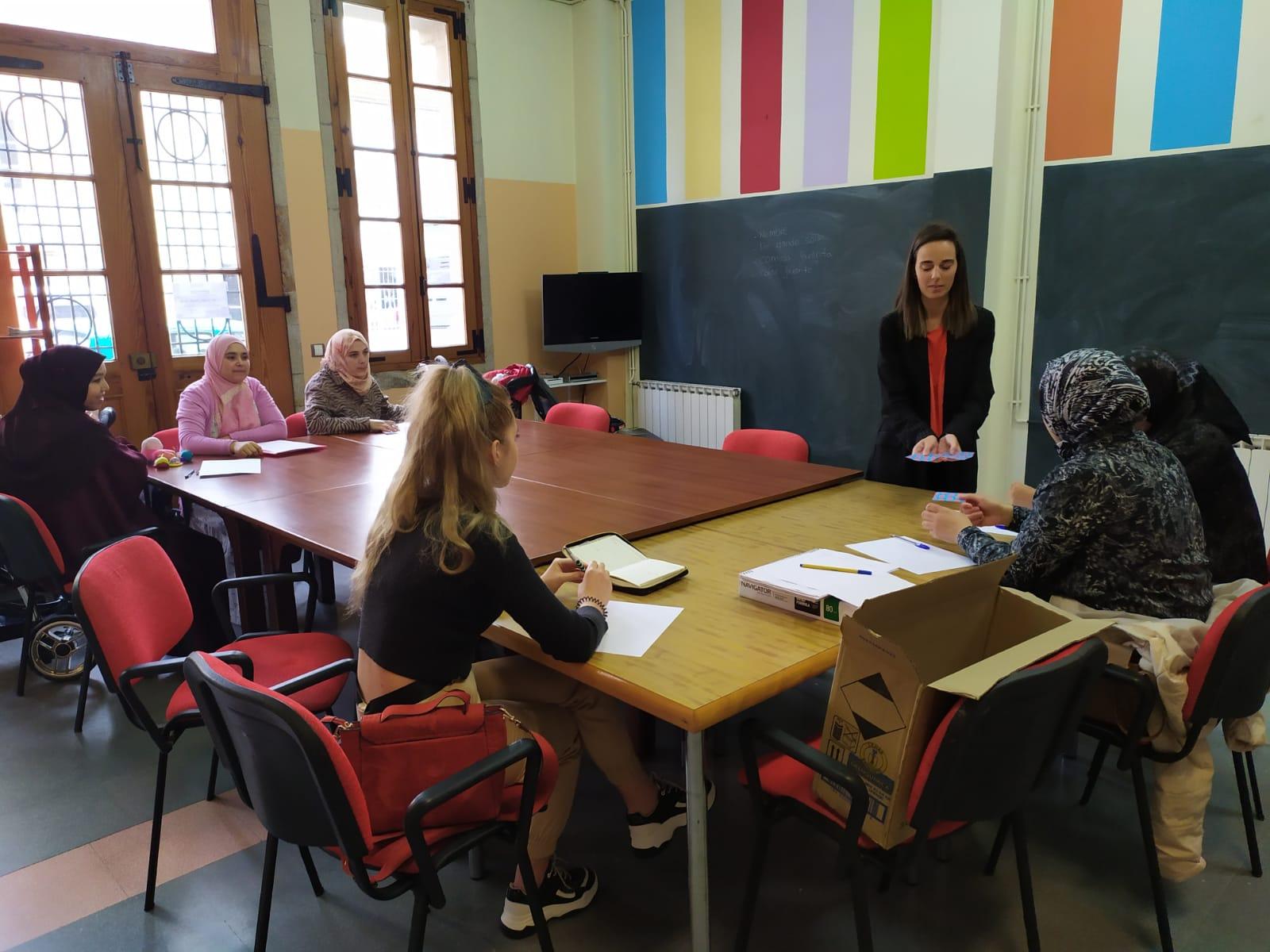Comezan as clases de español para inmigrantes do  programa Anduriña con sesións en Silleda e na Bandeira