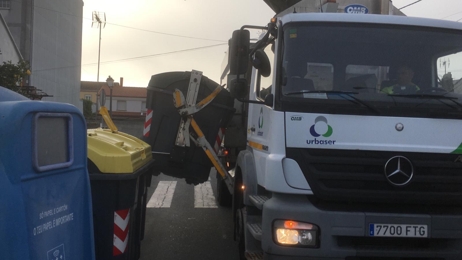 O Concello de Silleda desinfecta todos os colectores do lixo