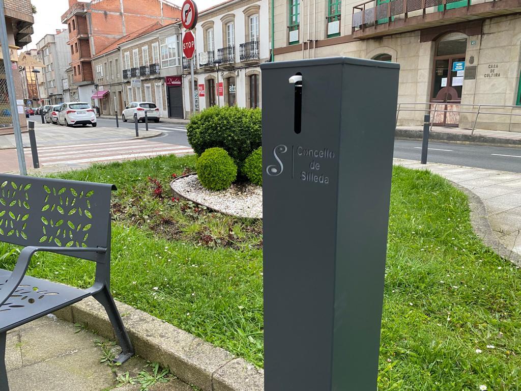 O Concello de Silleda instalará nas rúas das duas vilas dispensadores de xel desinfectante para as mans