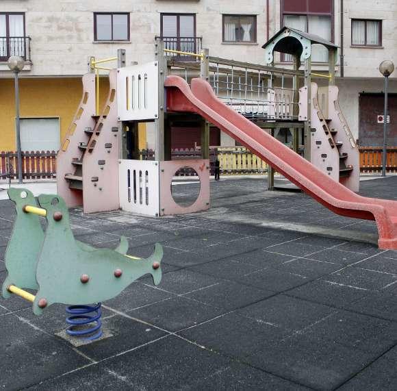 O Concello renovará o parque infantil da praza Juan Salgueiro de Silleda