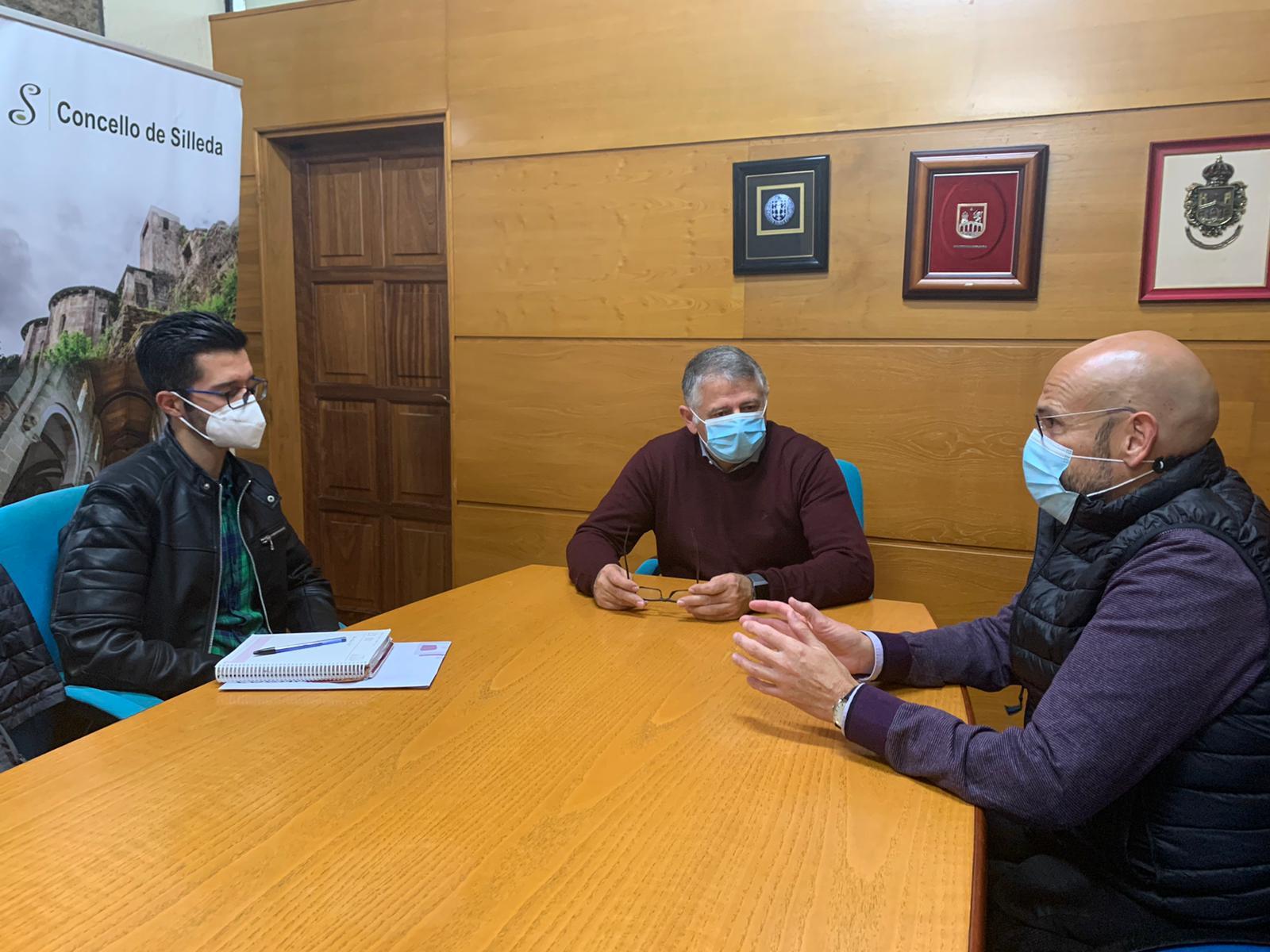 Manuel Cuiña aborda con Cogami o plan de accesibilidade nas rúas do municipio