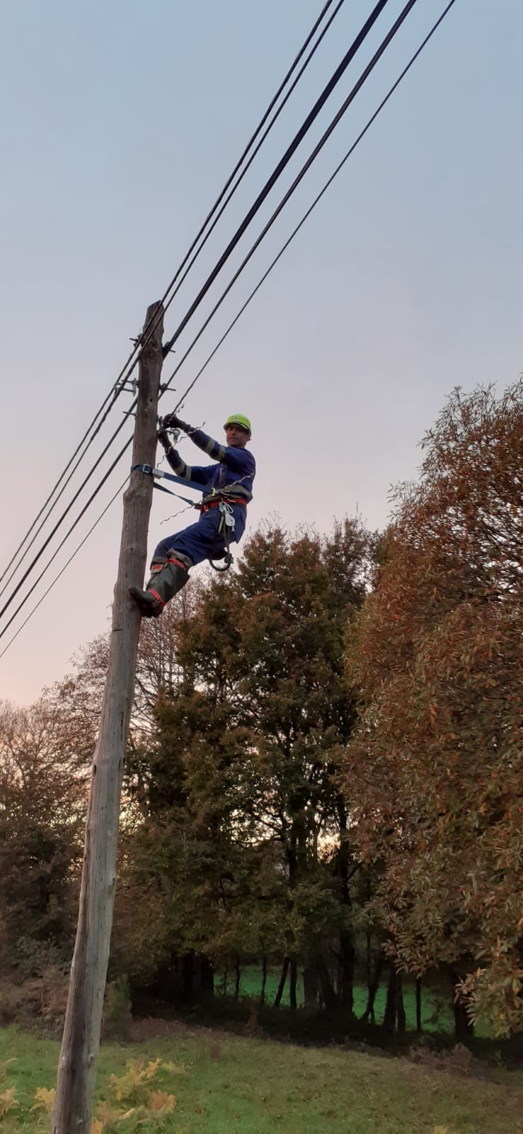En marcha o despregue de fibra óptica no rural de Silleda